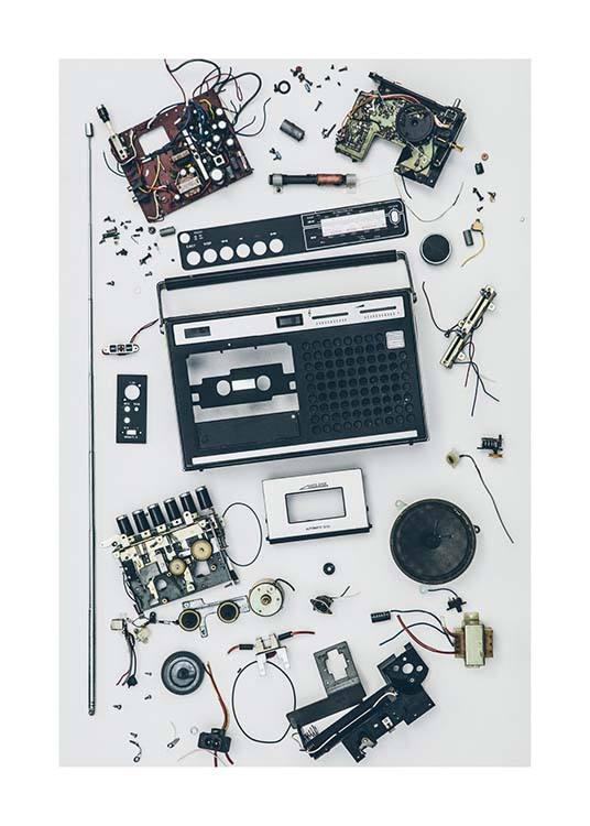 Disassembled Tape Recorder Plakat / Fotokunst hos Desenio AB (3733)